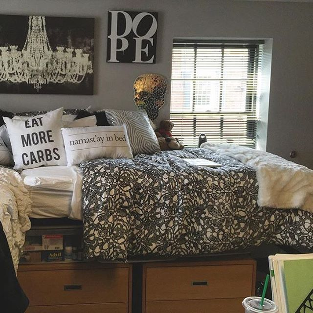 17 Best images about Tancys room ideas on Pinterest  ~ 083908_Dope Dorm Room Ideas