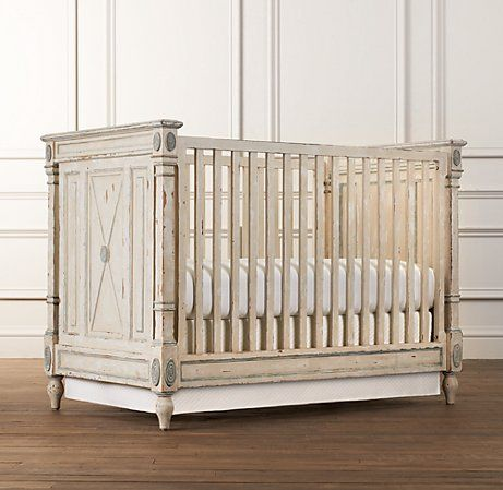 Love this crib that turns into a gorgeous toddler bed. It's so french chic.