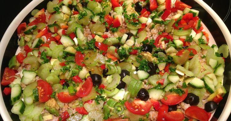 Lækker bulgursalat, som vi fik serveret hos min morbror Poul og tante Christa i sommer.         Bulgursalat til 4 pers:     2 dl....