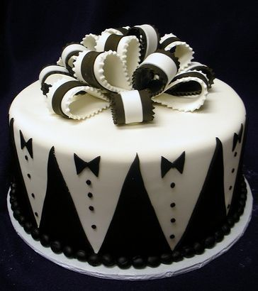 Groom's wedding cake | Exclusively Weddings Blog | Wedding Planning Tips and More