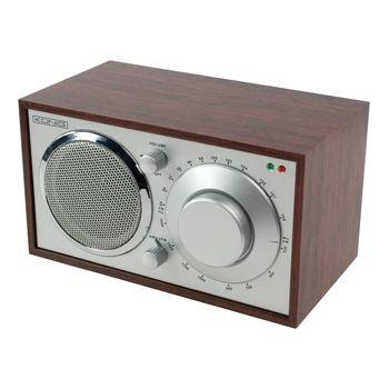 Radio AM/FM de diseño retro color cerezo - HAV-TR10  Esta radio AM/FM de madera color cerezo, de diseño retro, es un accesorio de tendencia que combina con cualquier decoración. Puede encontrar su emisora de radio favorita de manera rápida y fácil con su práctico botón giratorio. La antena telescópica externa permite una recepción perfecta. Además, la radio dispone de una conexión 3.5mm para auriculares.