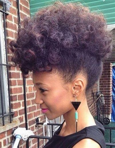 Ursula propose un tutoriel pour vous donner une coupe chic sur …   – Coiffures Filles #coiffuresfilles