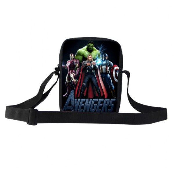 Marvel Avengers taske til drenge med heltene fra Marvel universet. På tasken ses Hulk, Captain America, Thor og Ironman