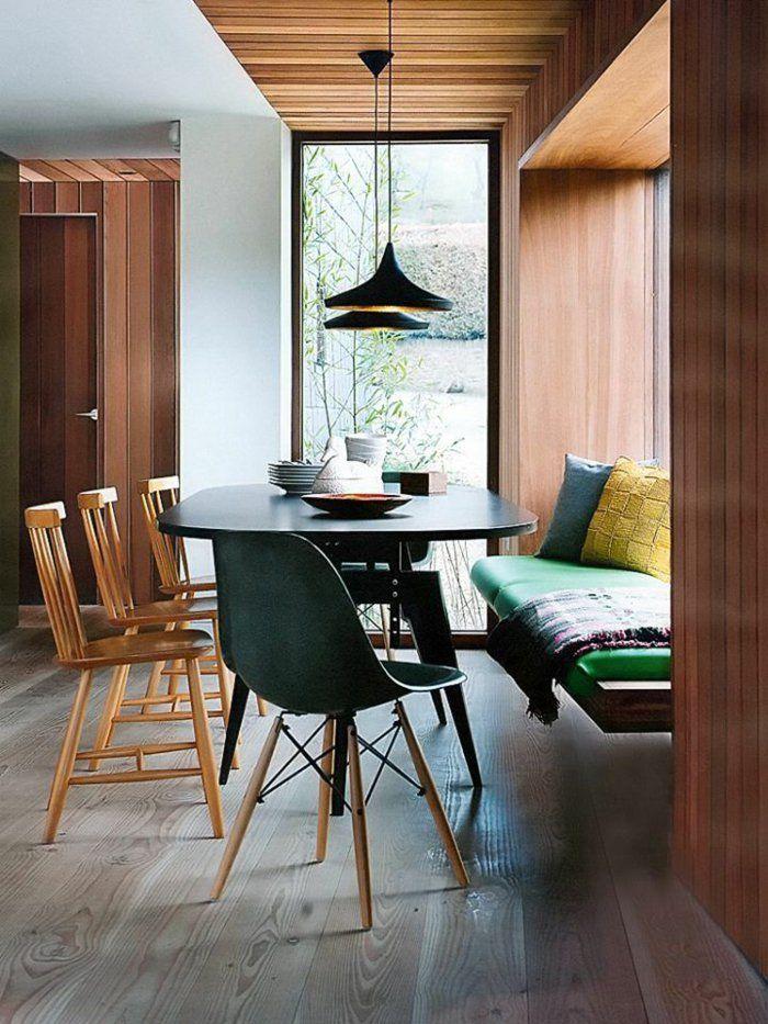 salle a manger complete pas cher avec chaises en bois et une chaise plastique