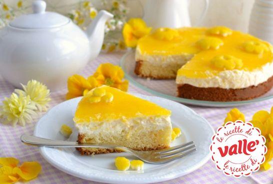 Cheesecake festa della donna.  Morbida e dalle tinte tropicali... :-)