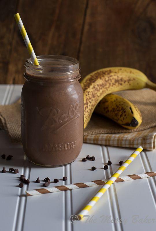 Skinny Chocolate Peanut Butter Banana Shake by the messybakerblog #Shake #Chocolate #Peanut_Butter #Healthy