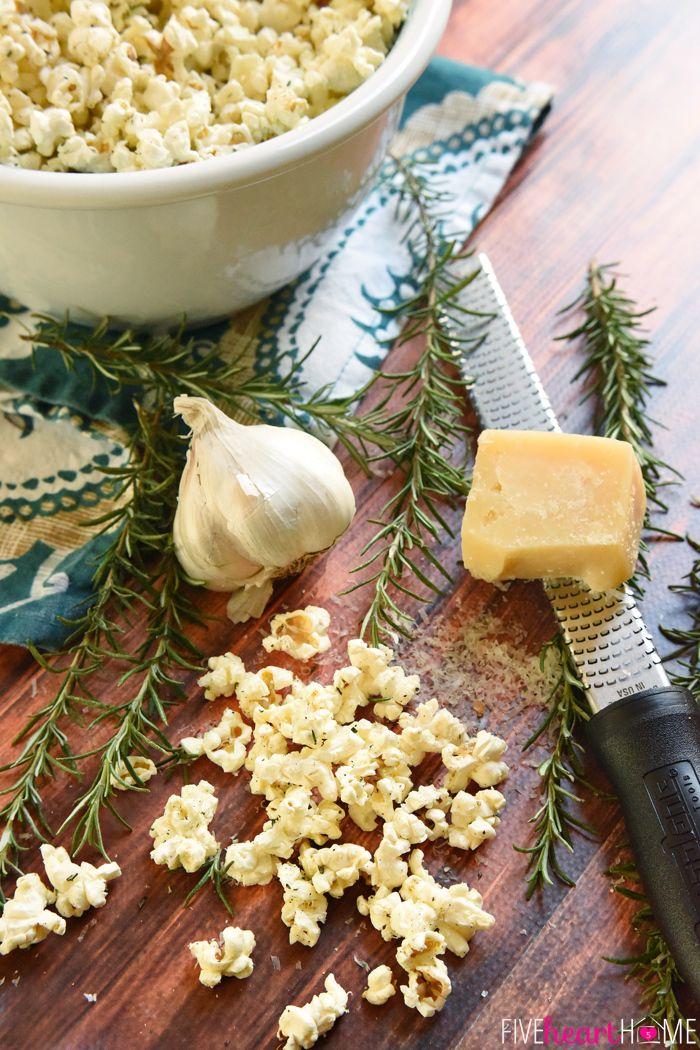 15. Rosemary Parmesan Popcorn #recipes #healthy #popcorn http://greatist.com/eat/healthy-popcorn-recipes