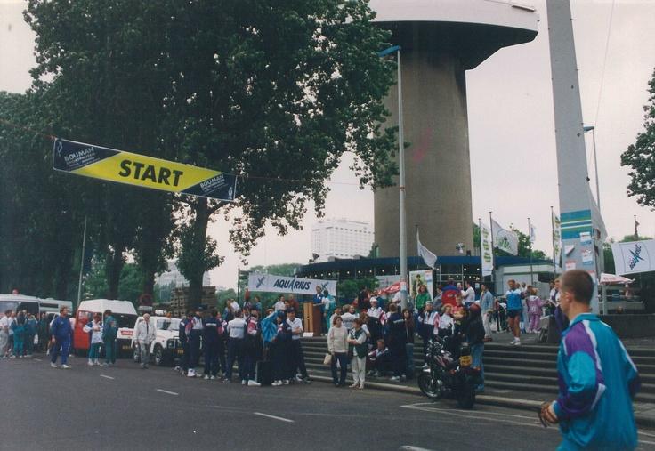 Roparun start onder de Rotterdamse Euromast, toen nog op weg naar Parijs!