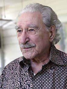 Michel Chartrand (20 décembre 1916 - 12 avril 2010) est un syndicaliste québécois.  /  Durant la Grande noirceur, il participe à toutes les grandes manifestations ouvrières : la grève de l'amiante en 1949, de Louiseville en 1952 et de Murdochville en 1957.