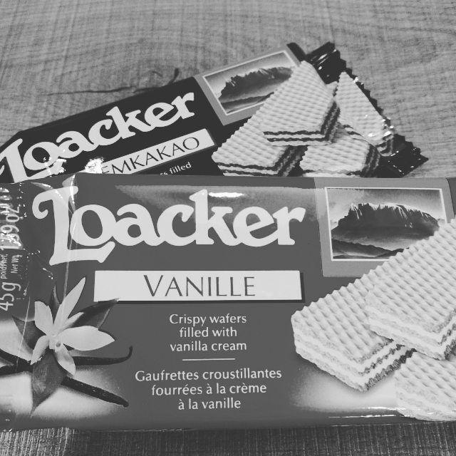 おいしいコーヒーのおともに イタリアのローカーウエハース 厳選された自然の原材料100  Loacker wafers're especially tasty with coffee.  #fifteencoffeeroasters#coffee#loacker#italy#コーヒー#ローカー