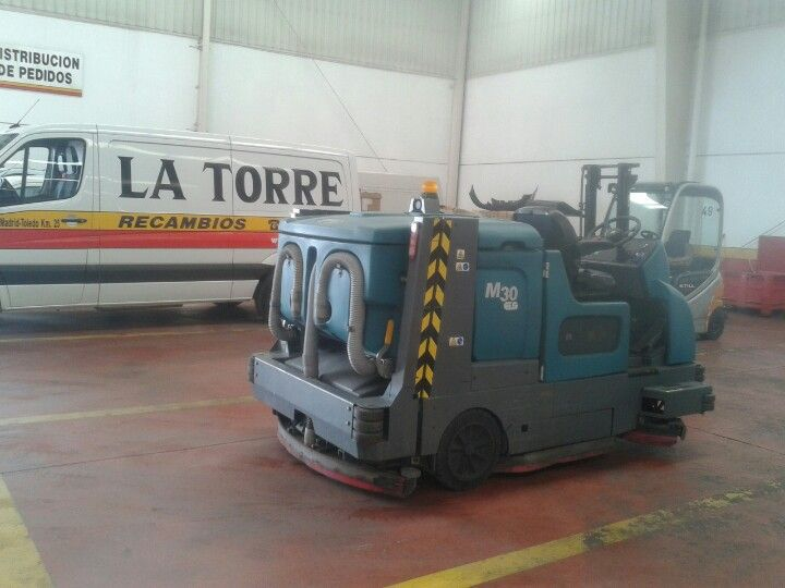Barredora Fregadora Tennant M30 en Desguaces La Torre