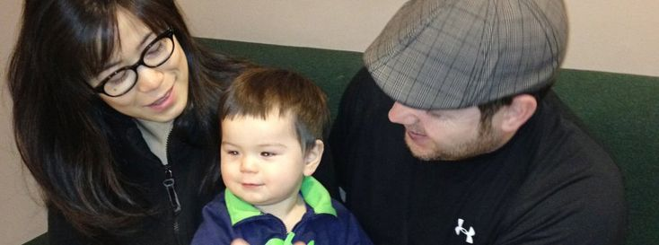 Wie können bilinguale Babys scheinbar mühelos zwei völlig verschiedene Sprachen erlernen? Eine Studie hat ergeben: Sie nehmen Laute anders wahr als einsprachige Kleinkinder. Schon im Alter von sieben Monaten achten sie auf Rhythmus und Melodie des Gesprochenen.