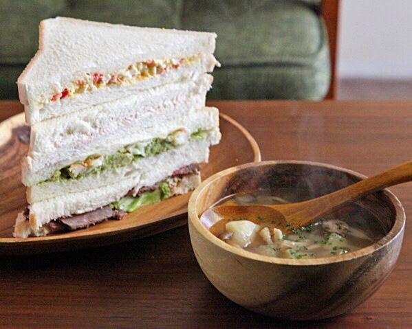 ローストビーフ、卵➕トマト、アボカド➕エビ、クリチ➕ハム - 38件のもぐもぐ - 4種類のサンドイッチ by mayugarita