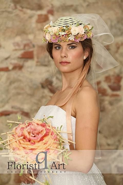 Bloom Your Business - bridal bouquets & floral accessories event Photo by: Lehel Makara Photographer Hairstyle by: Raluca Horvat Make-up: Gabriela Popescu Dress by: Lupas Oana Accessories by: Andreea Stör Model: Lorena Somesan