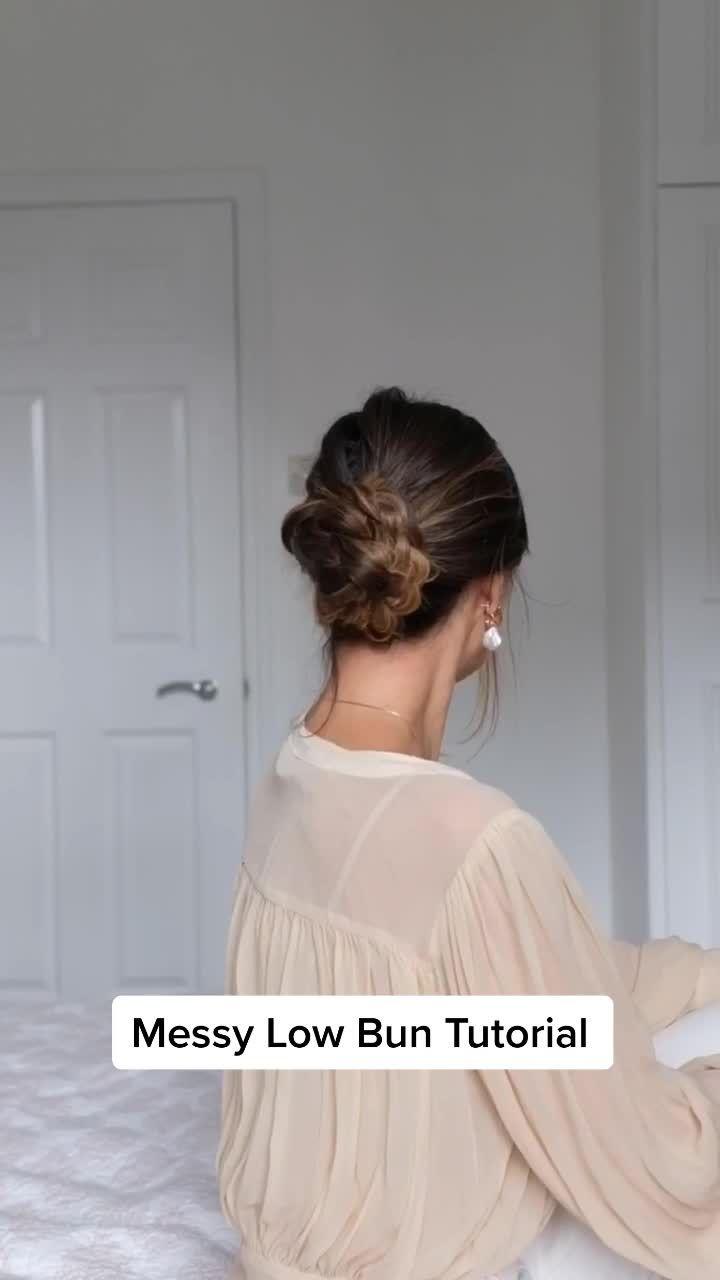 Masha Masha Theone On Tiktok Messy Bun Hair Tutorial Hairtips Hairbun Hairstyle Hairtutorial Hair Styles Messy Hair Tutorial Messy Hairstyles