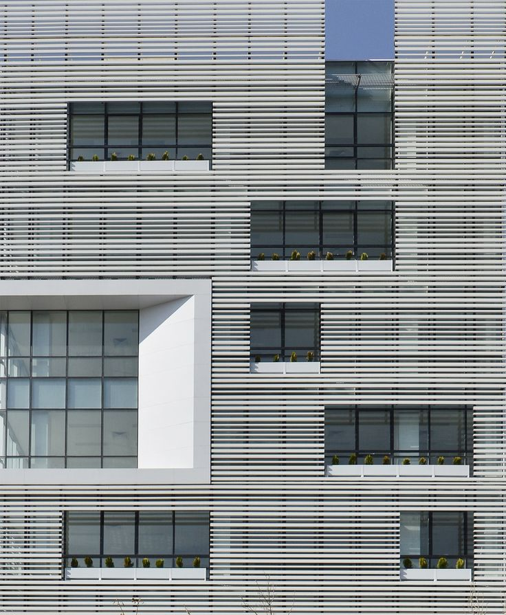 Gallery of White Office Building / BNS Studio - 3