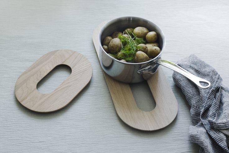 Loop Trivet design by Terkel Skou Steffensen.