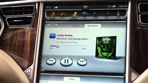 Tesla está trabajando en su propio servicio de música en streaming   Estos dos días atrás hemos estado hablando sobre servicios musicales así que para continuar bajo la misma linea les contaremos sobre lo que está planeando Tesla actualmente.  No cabe duda que en Tesla saben hacer muy bien las cosas desde llevar la conducción autónoma e inteligente a otro nivel como lograr posicionarse tan fuerte en el mercado bursátil que ha logrado superar a Ford Motors.  Pues bien actualmente los…