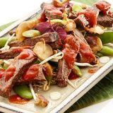 Rundvlees met shiitakes, gember en Pangangsaus - Vereniging van Keurslagers