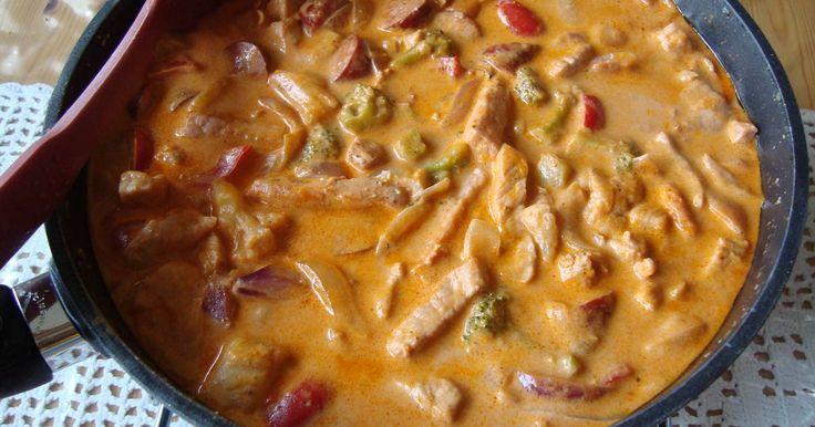 En gryta med massor av gott i som kokar medan tillbehöret kokar. Grytan kan även lagas på fläskfilé eller kycklingfilé