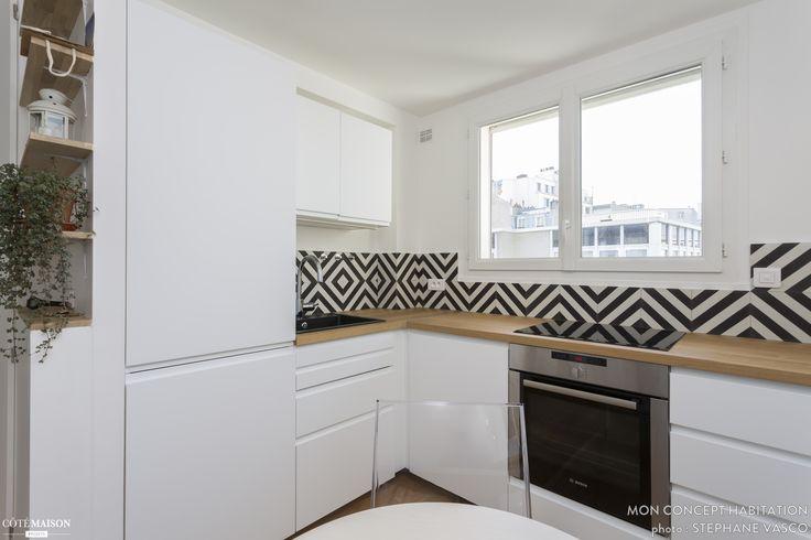 Ambiance minimaliste et graphique dans cette cuisine en L