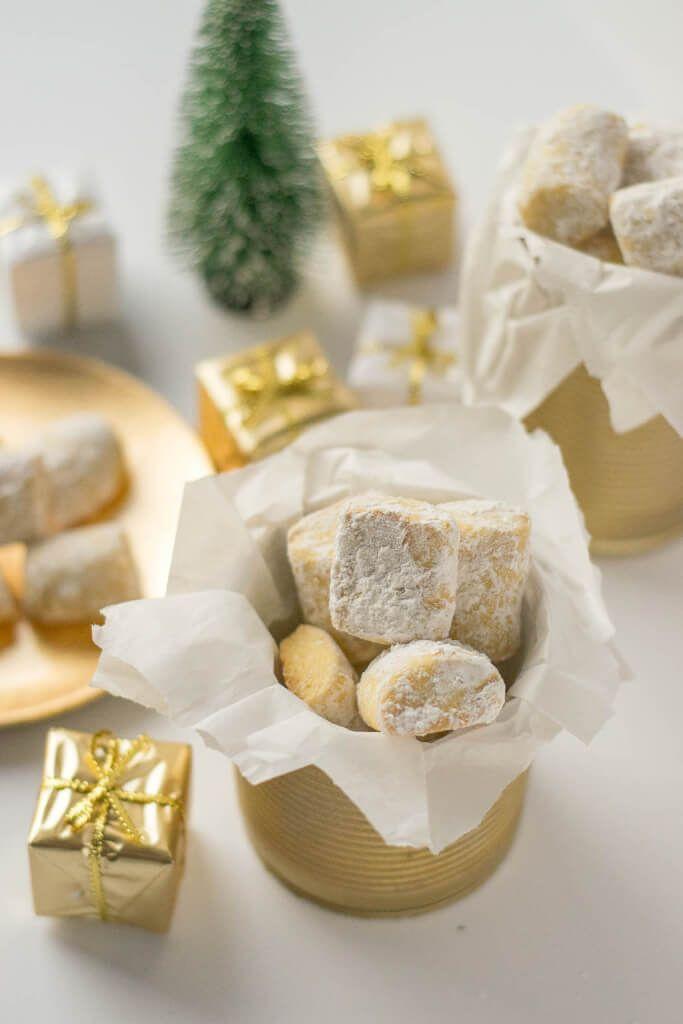 Geliebte Traumstücke und selbstgemachte Keksdosen mit edding Goldspray