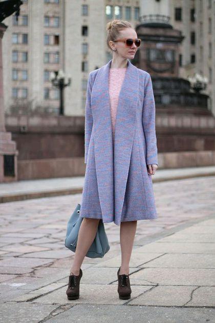 Купить или заказать Пальто для первой леди в интернет-магазине на Ярмарке Мастеров. Пальто на весну по фигуре с вытачками на полочках и спинке, с большим шалевым воротником. Очень эффектное. Без застежки. Пальтовая ткань 60% шерсть, подклад 100% вискоза. Цвет меланжа голубой с розовым. Есть другие расцветки.