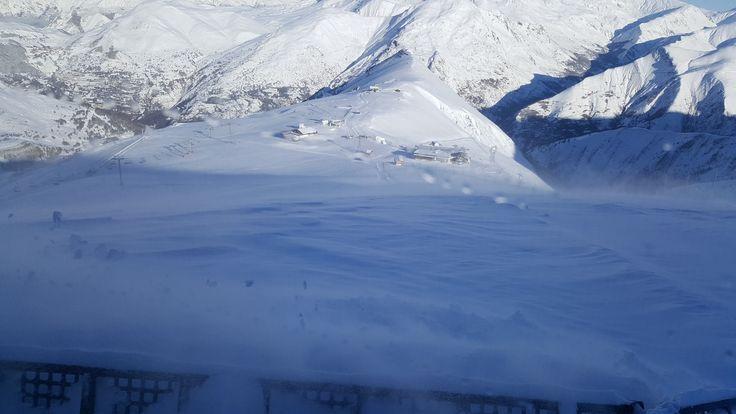 Zona de Crêtes 2100 m en la estación de esquí de Les Deux Alpes. Entra en Esquiades.com y descubre toda la información sobre Les Deux Alpes: webcams, estado de pistas, previsión del tiempo, ¡y más!
