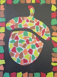 Herfstknutselwerkje voor kinderen in de vorm van een eikel. Laat de kinderen groen, bruin, rood, geel en oranje papier in kleine stukjes knippen of scheuren en op een wit vel papier plakken. Knip dan de vorm van de eikel uit en plak op zwart papier.Maak een mooie rand door de gekleurde stukjes papier netjes op te plakken.