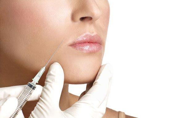 La novità del 2014 in fatto di chirurgia estetica, riguarda l'aumento volumetrico delle labbra con Permalip, una struttura in silicone solido.http://www.sfilate.it/218306/labbra-carnose-e-naturali-la-chirurgia-estetica-propone-il-permalip