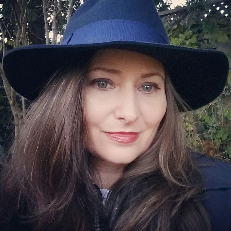 "Tilley Endurables hats - women's ""floppy fedora"" in navy"