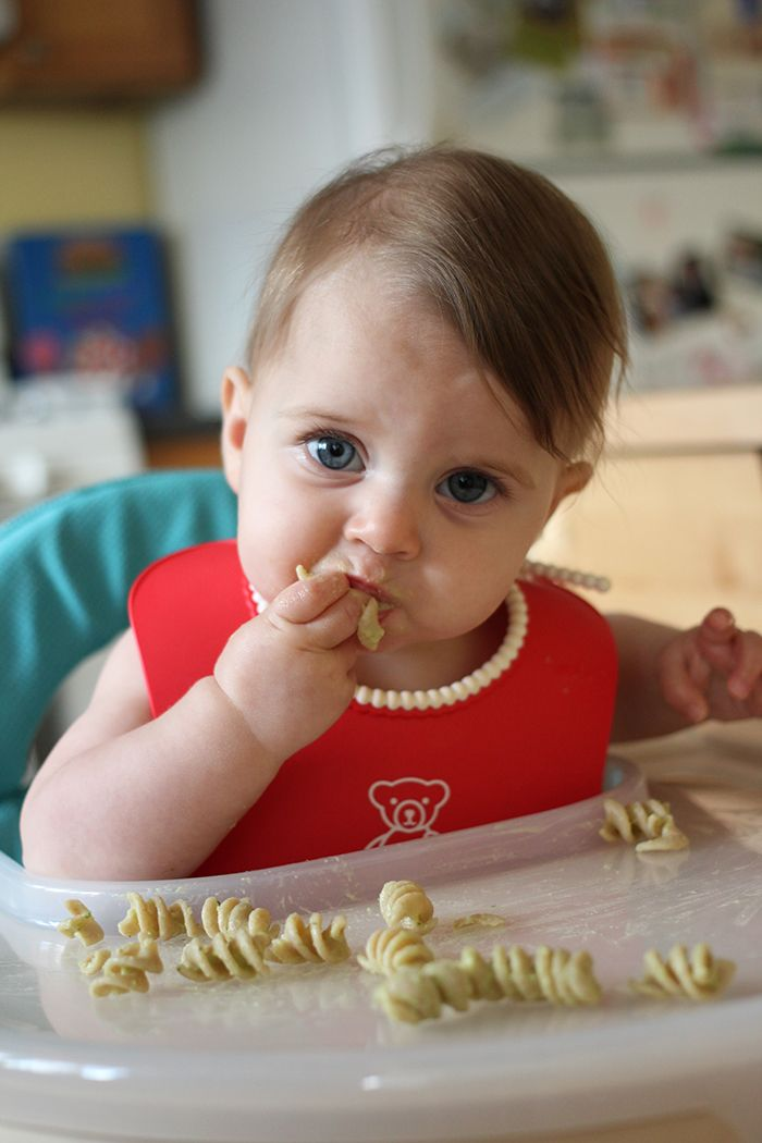 Baby-led weaning: pasta with avocado sauce