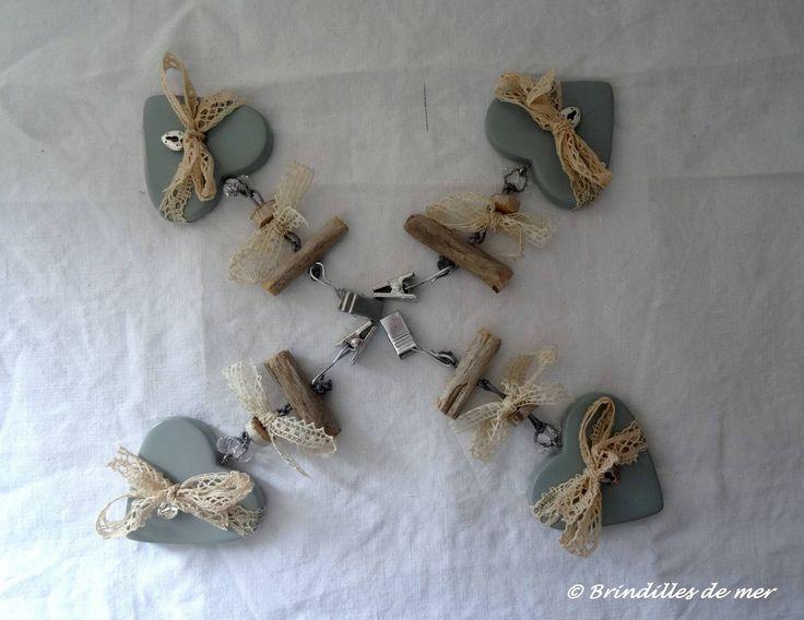 Poids de nappe cœurs gris, dentelles anciennes et bois flotté : Cuisine et service de table par brindilles-de-mer