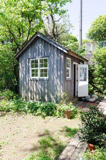 庭にひっそりと建つ小屋はヨーロッパの田舎風佇まい。                                                                                                                                                      もっと見る