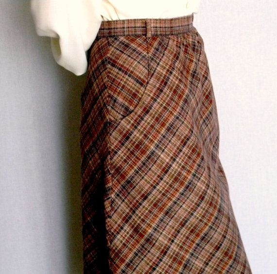 60s Flared skirt. Vintage plaid skirt. Brown gored skirt. Wool flare skirt. Size Small. Mad Men fashion. Winter fashion