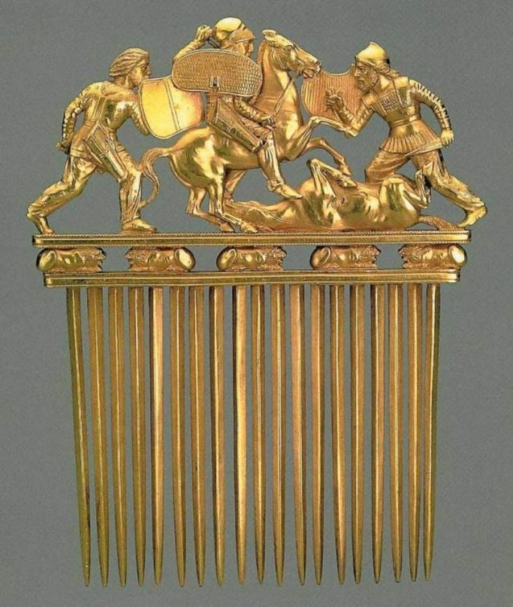 Gold Scythian crest depicting a battle scene (5th-4th cent. BC) -  The State Hermitage Museum St. Petersburg - Found in a mound Solokha