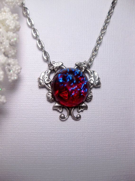 Dragon's Breath Mexican Opal Heart Necklace door FashionCrashJewelry
