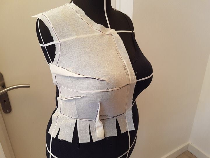 moulage couture mannequin Manipulation des pinces du corsage