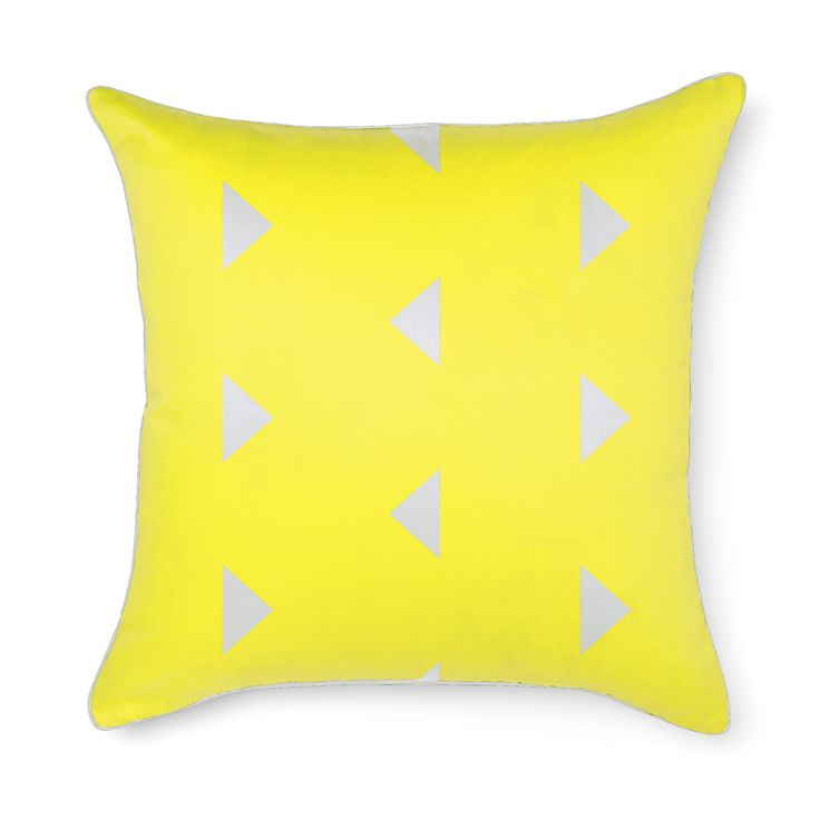 Aura Triangles Euro in Bright Yellow