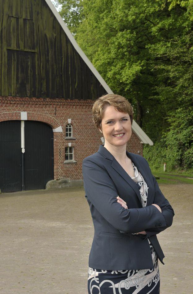 Twentse Zaken Vrouwen kijk ook www.martinmetsemakers.nl