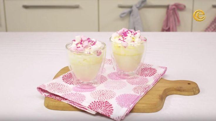 Maak thuis de lekkerste witte chocolademelk 'Sneeuwwitje' met deze kookvideo!