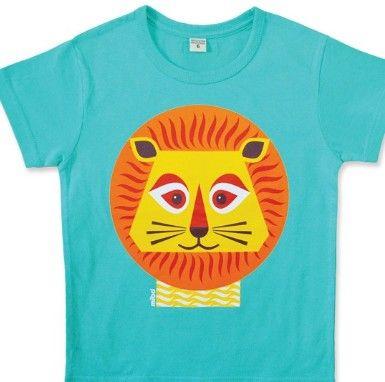 Lasten luomupuuvillainen t-paita Coq en Pâtelta. Leijonan takapuoli toisella puolella paitaa. Ihanat, raikkaat värit. Coq en Pâte / lastenverkkokauppa.fi