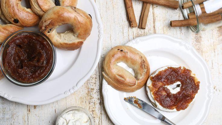 Zimt-Rosinen-Bagels mit Apfelbutter   Rezepte   ARD-Buffet
