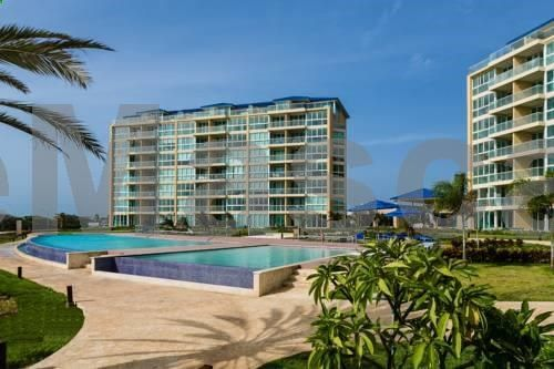 Blue Residences Eagle Beach Blue Residences is located in Palm Beach and next to Bubali Bird Sanctuary. It offers Wi-Fi access throughout with extra cost, a garden and a swimming pool. The apartments feature a TV, air conditioning and a balcony.
