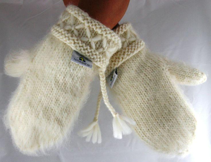 Pure white Lovikka mittens