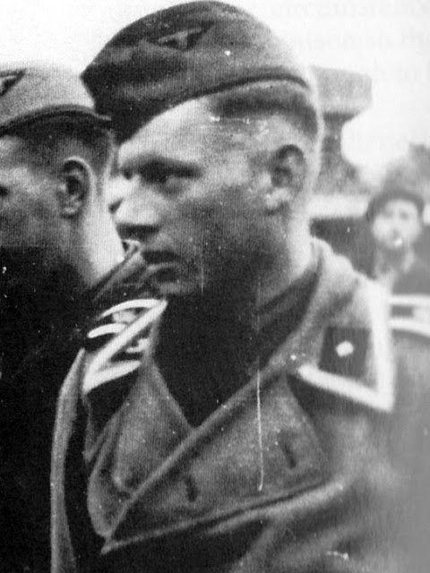 Michael Wittmann muda memakai seragam RAD, organisasi buruh Reich. Dia menjadi anggota FAD (Freiwillige Arbeitsdienst) cabang Benedikt...