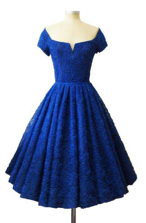 Cobalt blue, sweetheart neckline, and a full skirt?  I love this little number and would have lots of fun with it. I see very bright hued accessories in its future.  A turquoise belt and boots , ect would give it some funk...;)