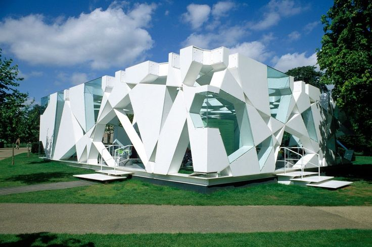 Toyo Ito and Cecil Balmond's Serpentine Gallery Pavilion, 2002, London, U.K.... great geometric shapes to inspire a pattern