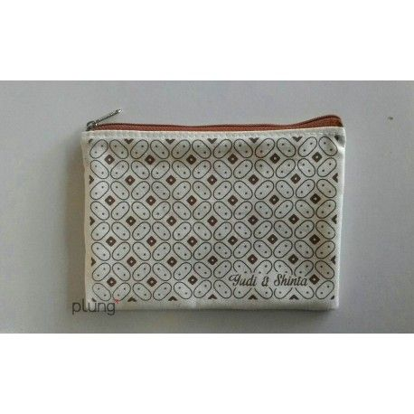 Souvenir Pouch motiif batik bahan blacu berkualitas, murah, multi fungsi dan tahan lama. Cocok untuk souvenir pernikahan,