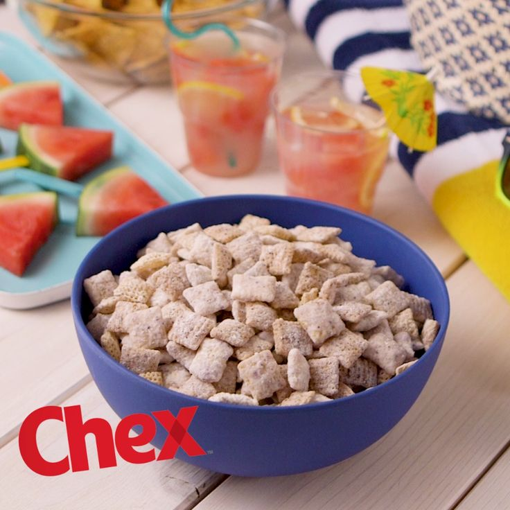 Make a splash at your next pool party with NEW Gluten-Free Blueberry Chex! Ready in 15 minutes and with just 4 ingredients, Blueberry-Lemon Muddy Buddies is your pool party in the making.